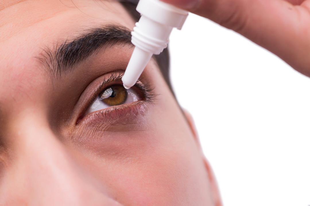 Tränenersatzmittel gegen trockene Augen
